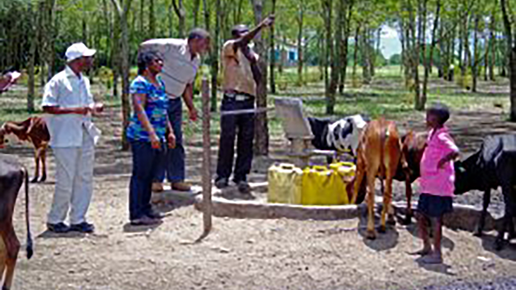 Featured Image_Amuguni-working-with-the-community-to-identify-challeges-in-Tanzania-1024x576